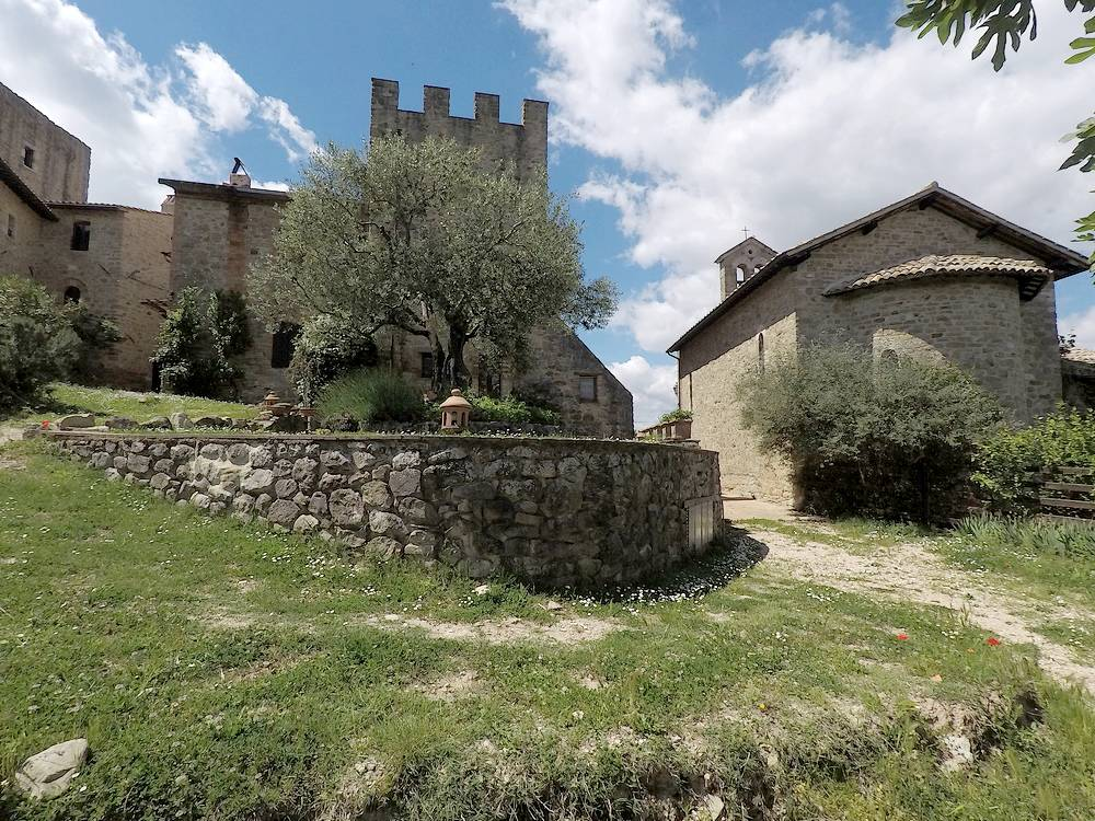 castello di cisterna women Castello di cisterna tourism: tripadvisor has 358 reviews of castello di cisterna  hotels, attractions, and restaurants making it your best castello di cisterna.