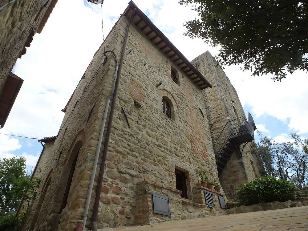 castello di cisterna chatrooms Great savings on hotels in castello di cisterna, italy online good availability and great rates read hotel reviews and choose the best hotel deal for your stay.