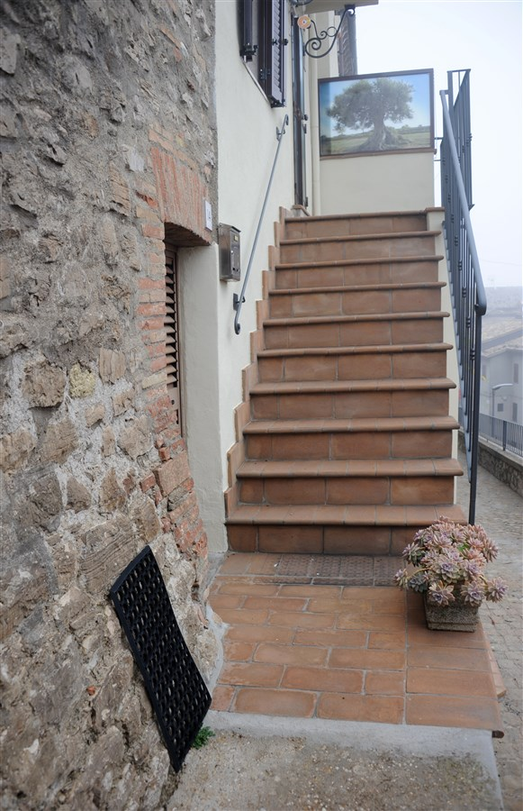 Scala esternajpg with scala esterna coperta - Corrimano scale esterne ...