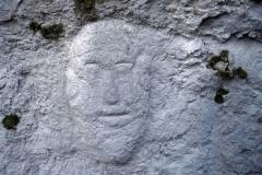 10 Volto in pietra