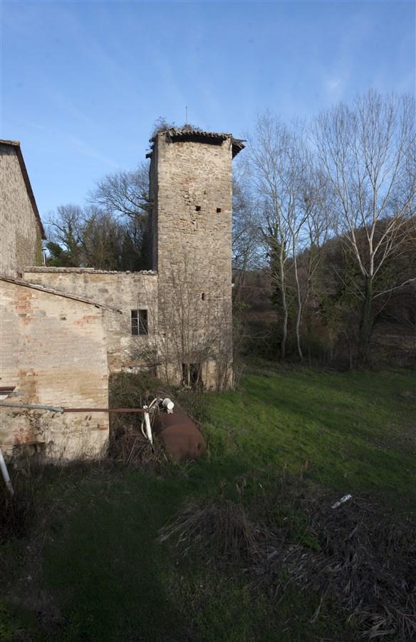 Mulino del Torrone �C Gaglietole di Collazzone (PG)584 x 900 jpeg 140kB