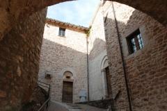 05c Porta della chiesa e del monastero
