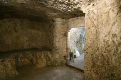 27 Interno della grotta