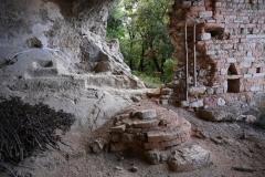 49 Parete di fondo della grotta principale