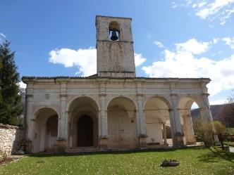 chiesa della madonna bianca valle castoriana