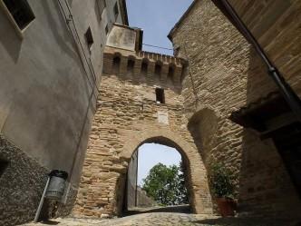 Castello di Domo - Serra San Quirico (AN)