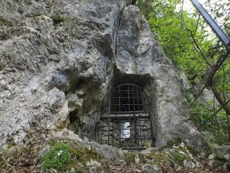 Grotta di San Vittorino a Fiorato - Pioraco (MC)