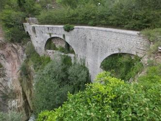 acquedotto medievale - gubbio 05